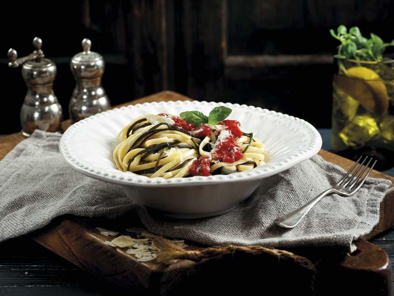 Algen Spaghetti Tomaten Salsa